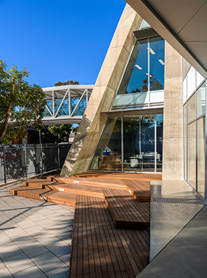 Pembroke-School-Courtyard-timber-decking-concrete-shard