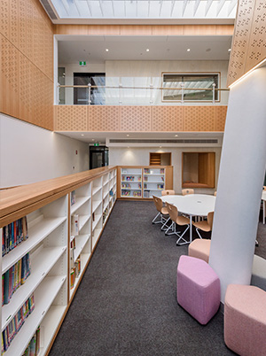 Wilderness-School-Learning-Commons-interior-space